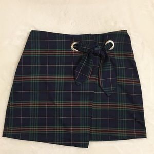 Plaid tie skirt